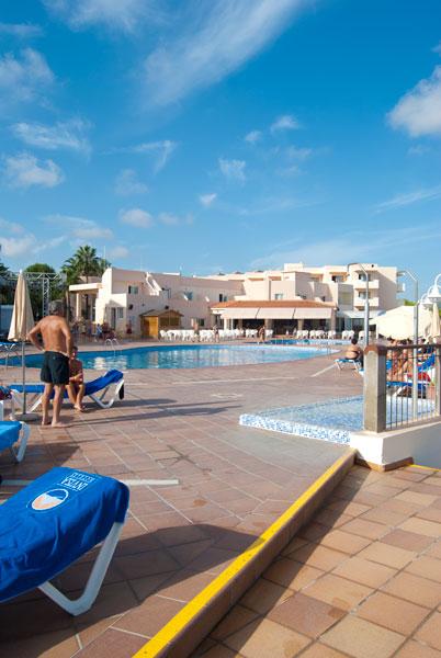 Hoteles apartamentos cala verde ibiza italiano - Apartamentos santa eulalia ibiza ...