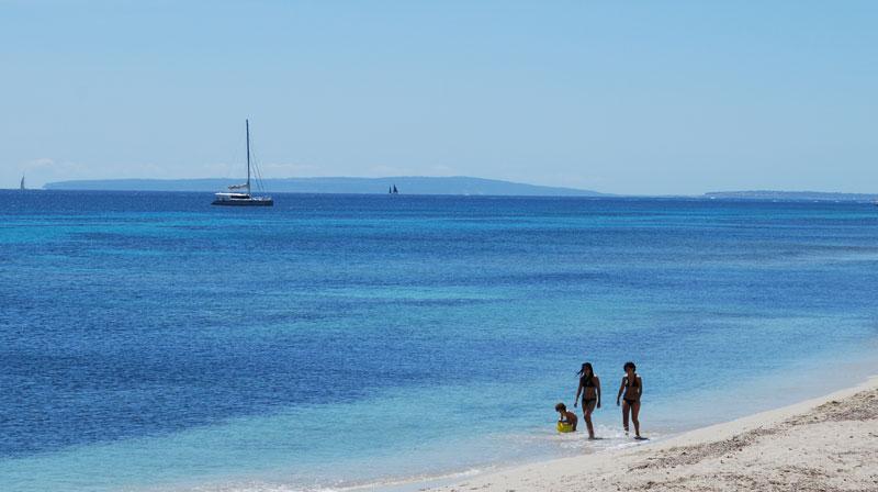 Es Cavallet beach - Tripkay