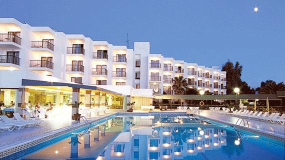 Hoteles apartamentos nereida ibiza - Hotel apartamentos el puerto ibiza ...